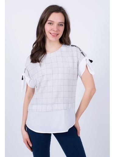 Clıche  Gri Ekose Kumaşa Düz Beyaz Garnili,Omuz Başı Şerit Detaylı Bluz Gri